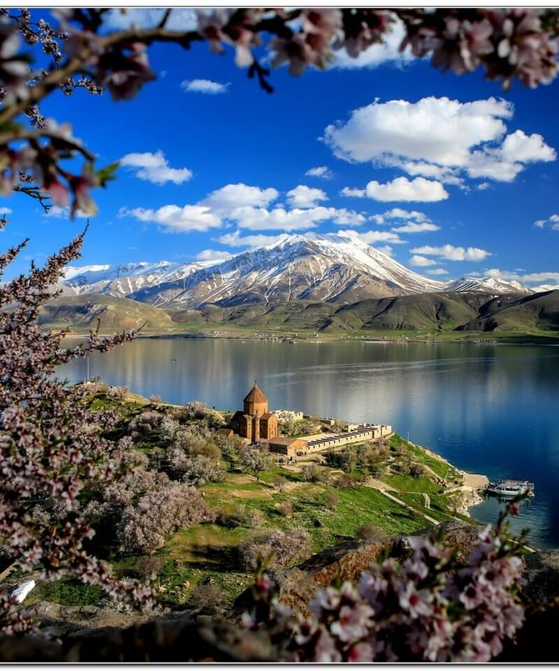 Eastern Turkey tour Akdamar Island, Van